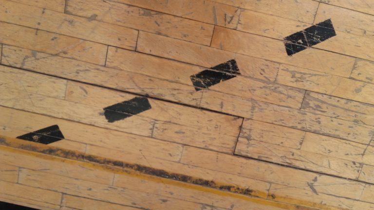 restauro-legno-pavimento-sportivo